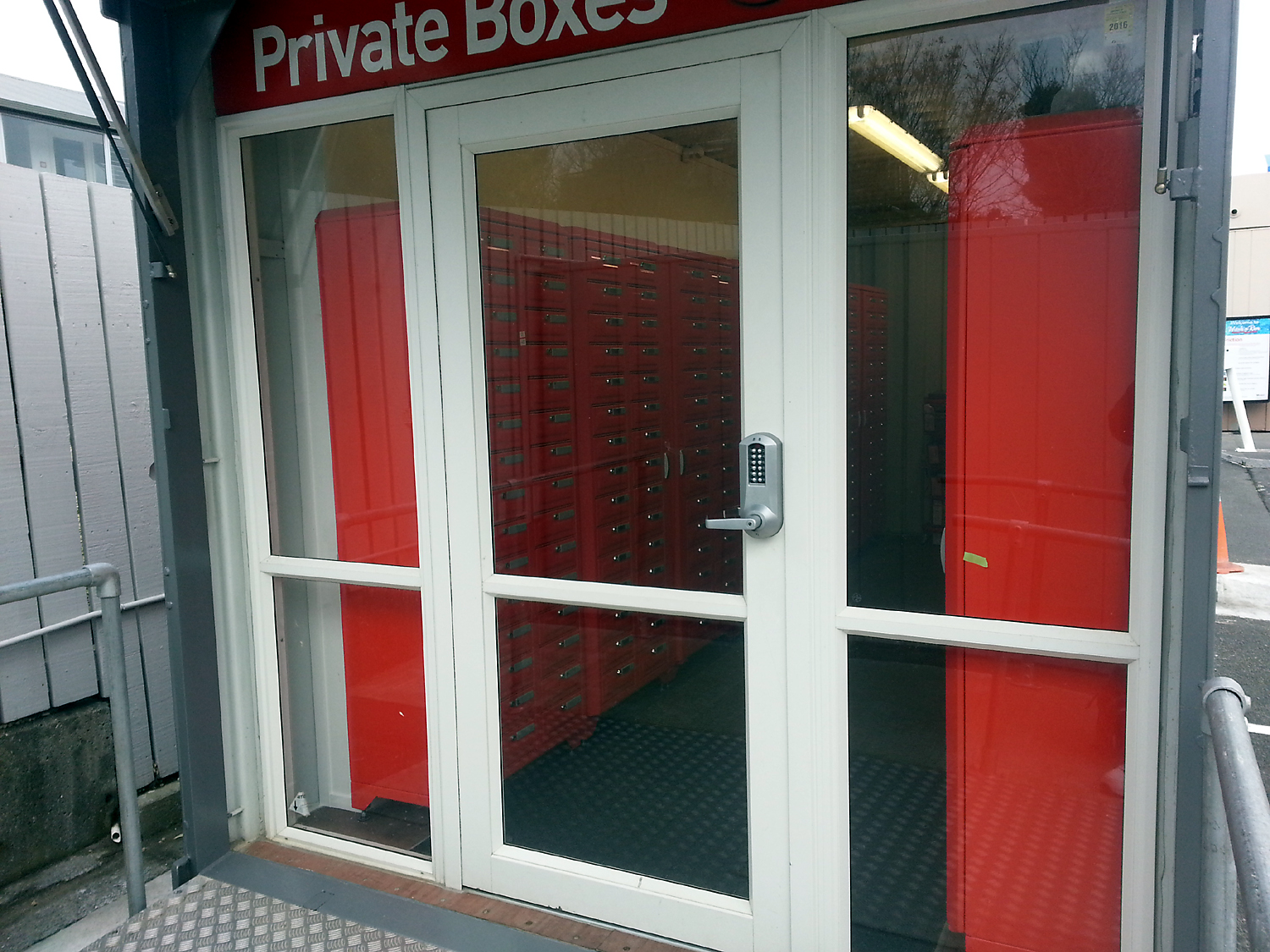 NZ_Post_Mobil_Karori_PO_box_lobby_entry